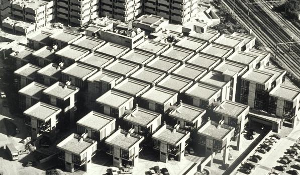 Herman Hertzberger's Centraal Beheer, Apeldoorn. Image: Aviodrome Luchtfotografie