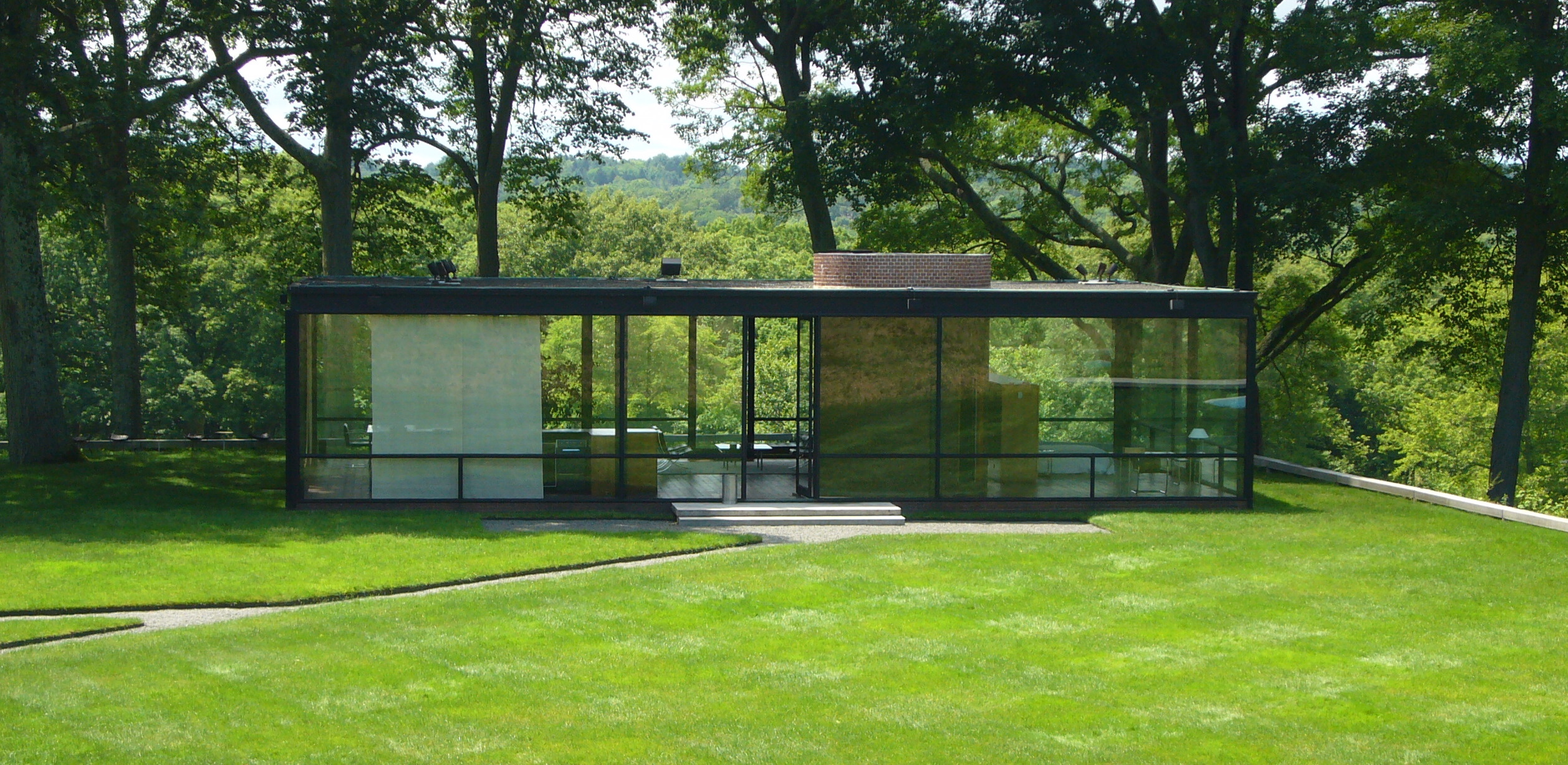 Glass House by Philip Johnson (exterior) in New Canaan, CT, USA Author:	Staib source: wikimedia commons